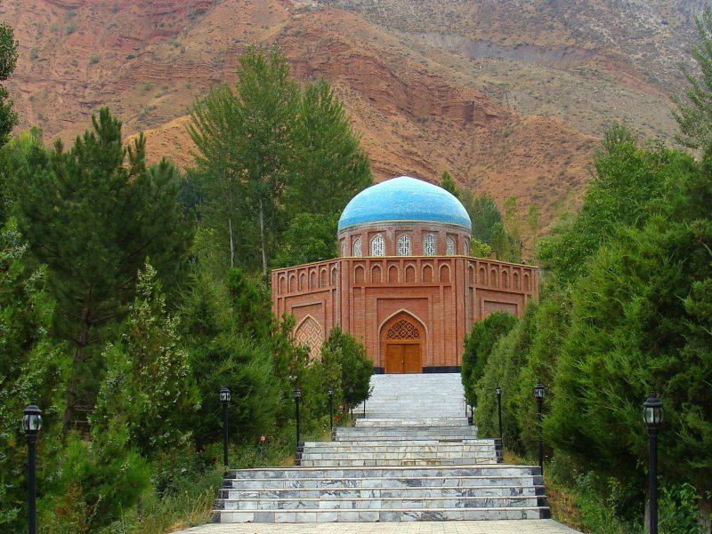 آرامگاه رودکی در تاجیکستان